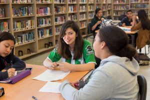 Students at Skyline High School work together during an after-school tutoring club. <br> <strong>Photo by Allison Shelley/The Verbatim Agency for American Education: Images of Teachers and Students in Action</strong>
